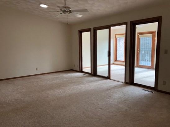 Condominium, Ranch Style - ROCKFORD, IL (photo 4)