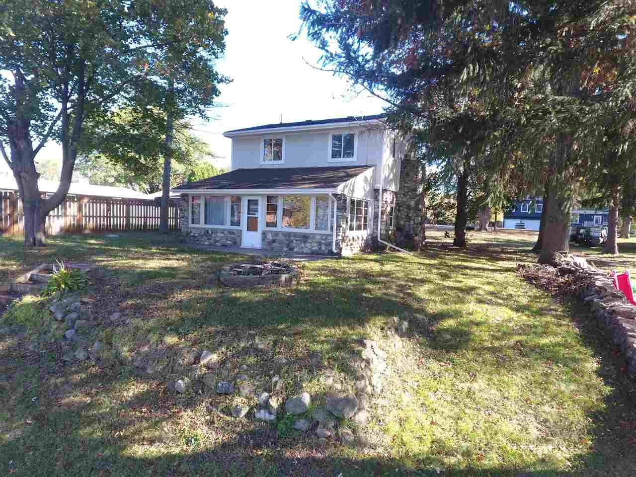 House, 2 Story - MACHESNEY PARK, IL (photo 2)