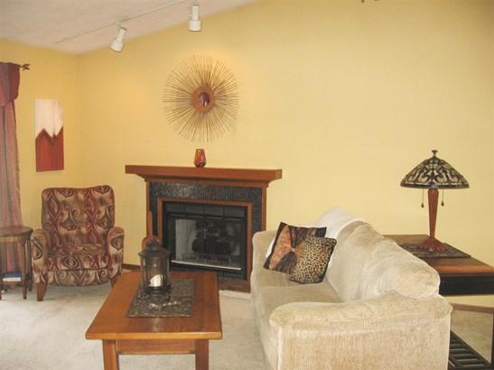 Condominium, Ranch Style - LOVES PARK, IL (photo 3)