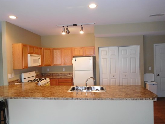 Condominium, First Floor - CHERRY VALLEY, IL (photo 2)