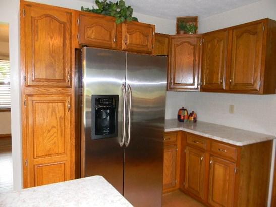 House, 2 Story - ROSCOE, IL (photo 4)