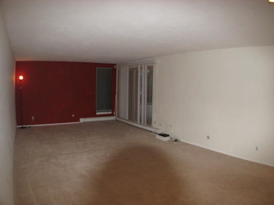 Condominium, First Floor - ROCKFORD, IL (photo 5)