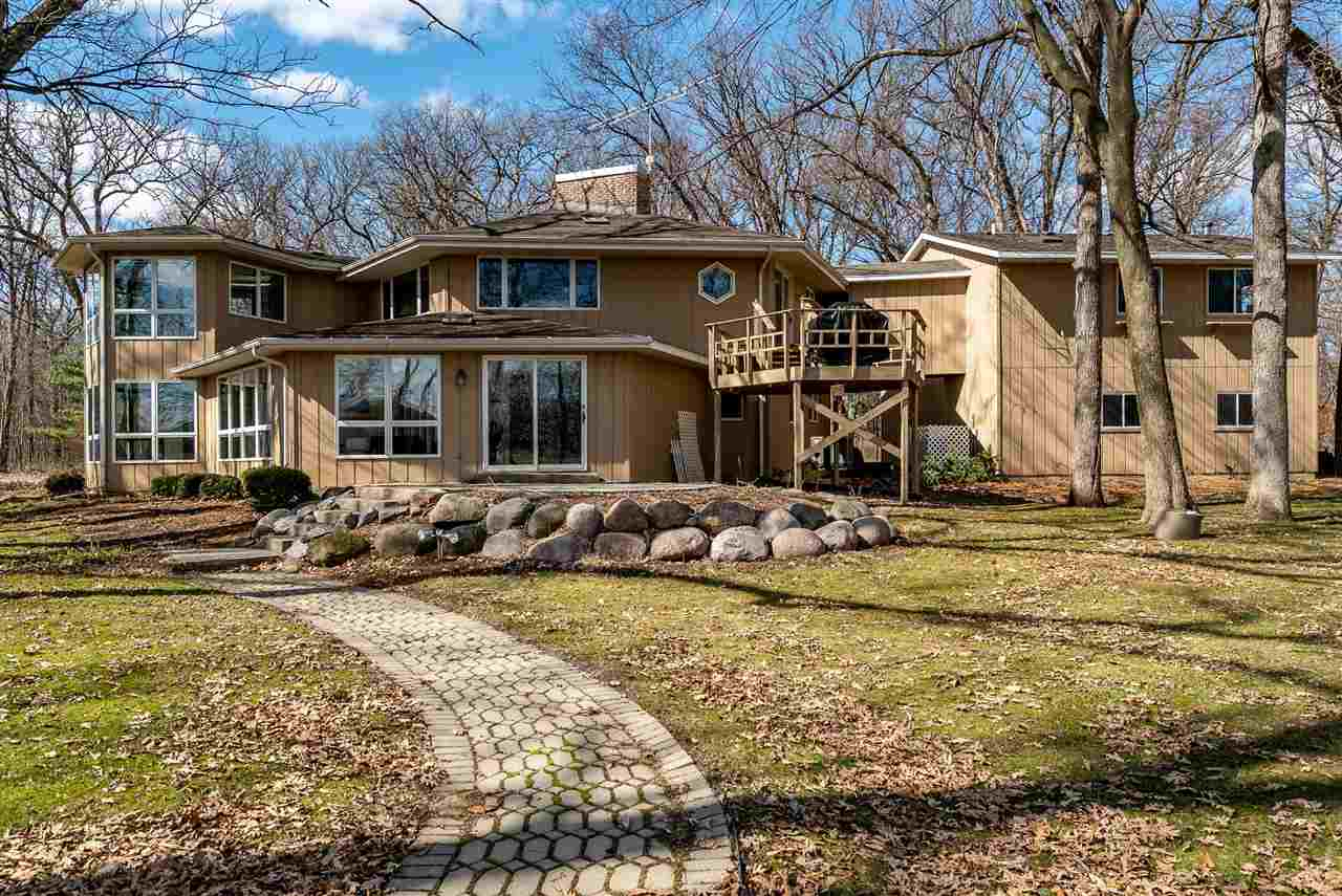 House, 2 Story - KIRKLAND, IL