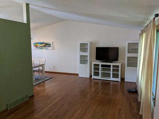 Tri/Quad/Multi-Level, House - MACHESNEY PARK, IL (photo 2)