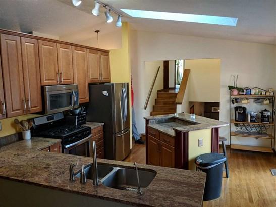 Tri/Quad/Multi-Level, House - MACHESNEY PARK, IL (photo 5)