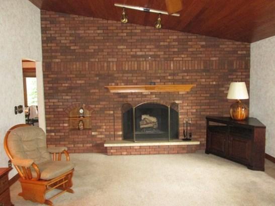 Ranch, House - LOVES PARK, IL (photo 4)