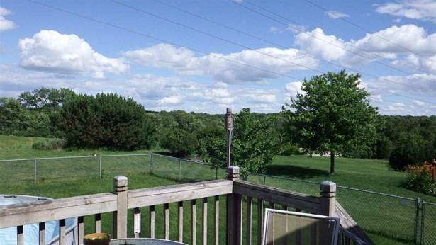 House, Bi-Level - LOVES PARK, IL (photo 4)