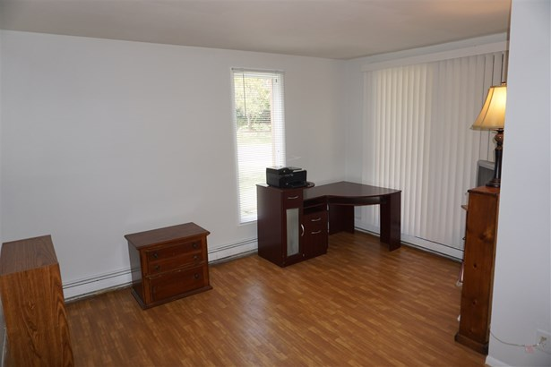 Condominium, First Floor - ROCKFORD, IL (photo 2)