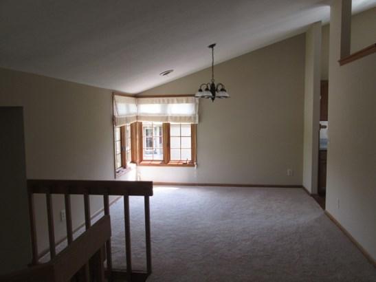 Condominium, Second Floor - LOVES PARK, IL (photo 3)