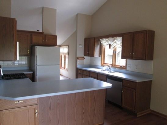 Condominium, Second Floor - LOVES PARK, IL (photo 5)