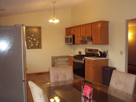 Tri/Quad/Multi-Level, House - MACHESNEY PARK, IL (photo 4)