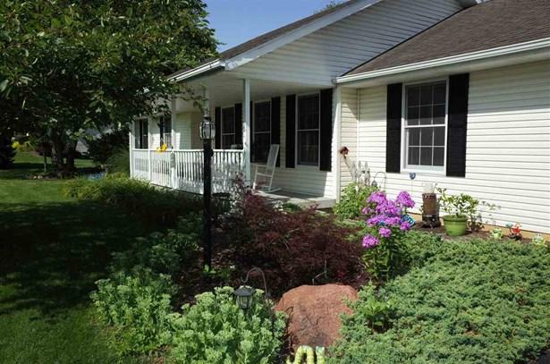 Ranch, House - OREGON, IL (photo 2)