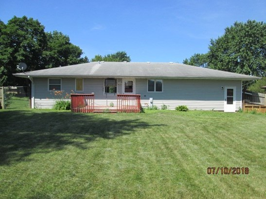 Ranch, House - WINNEBAGO, IL (photo 3)