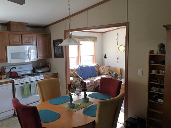 Mobile Home, House - LOVES PARK, IL (photo 4)