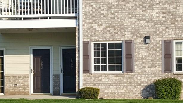 Door to condo (photo 2)
