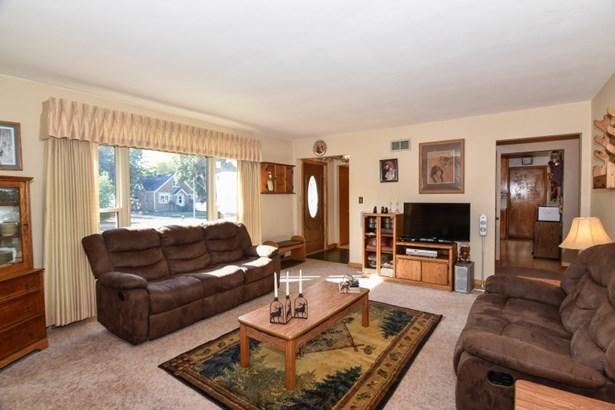 Bedroom 2 - Hardwood Floors (photo 4)