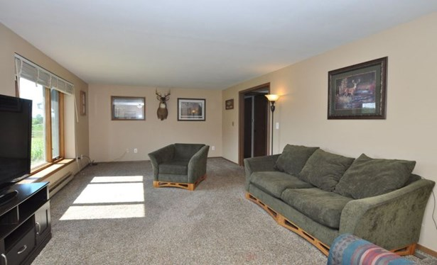 Living Room.3 (photo 4)