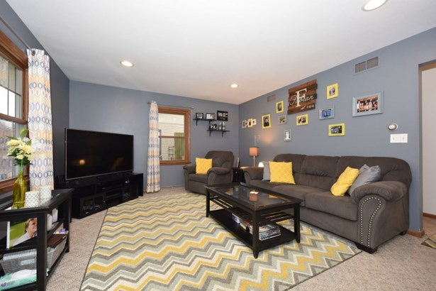 Large living room (photo 3)