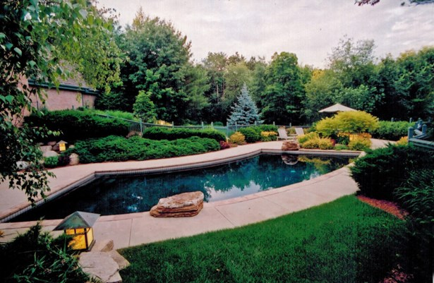 Pool and Lush Backyard (photo 2)