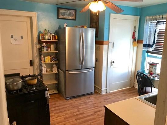Eat- In Kitchen (photo 4)