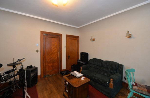 Lower dining room (photo 5)