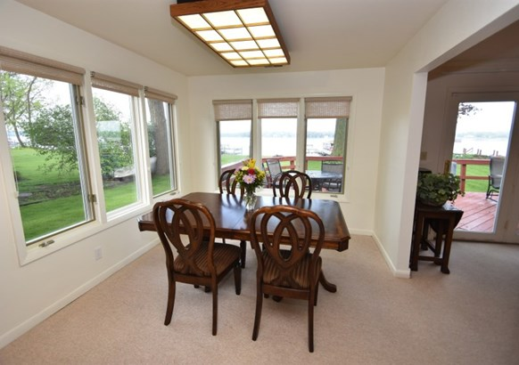 Dining room with lake views (photo 3)