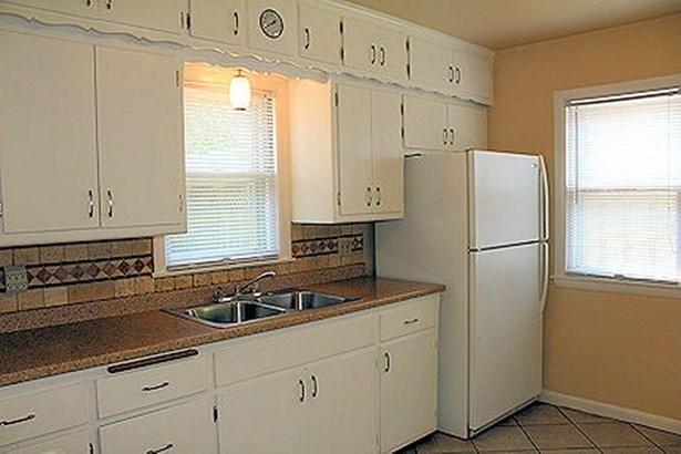 Sunny Kitchen (photo 5)
