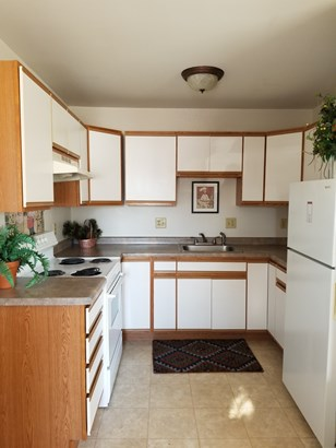 Updated kitchens (photo 2)