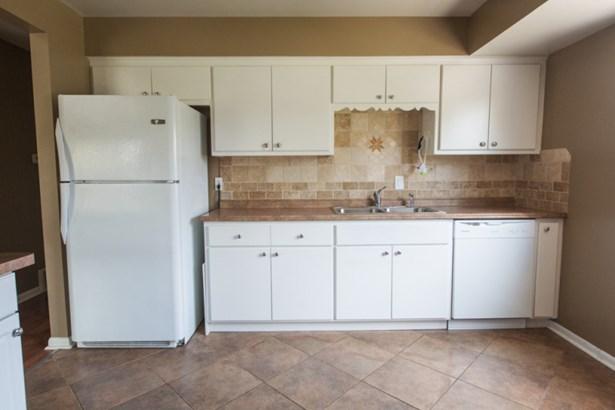 Kitchen in upper (photo 4)
