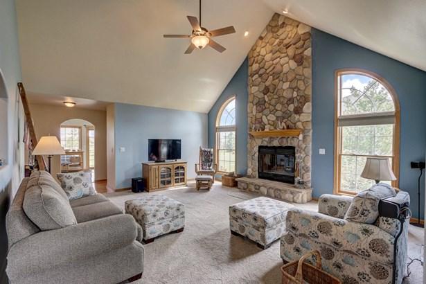 High Ceilings in Living Room (photo 5)