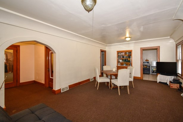 Lower Living Area (photo 3)