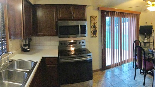 Stainless Steel Appliances (photo 2)