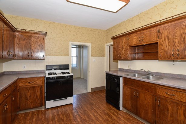Kitchen in 3 Bedroom Unit (photo 5)