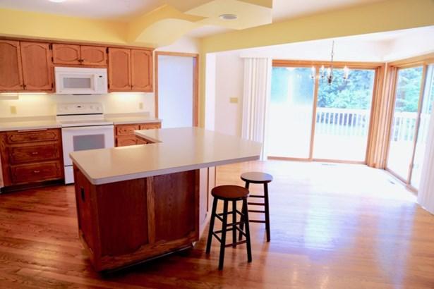 Kitchen w/ Patio Doors (photo 3)