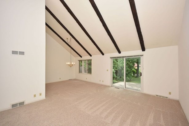 Great Room with Dining L (photo 4)