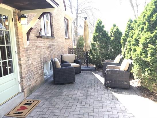 Brick paver patio (photo 3)