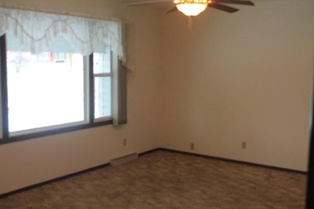 Living room 2 (photo 2)