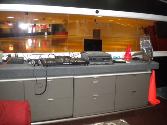Sound Booth (photo 4)