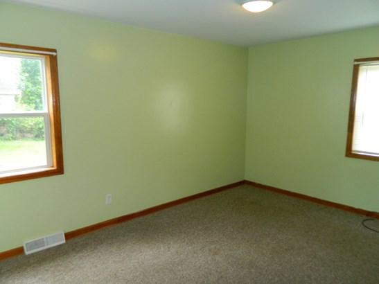 Bedroom 2 (photo 5)