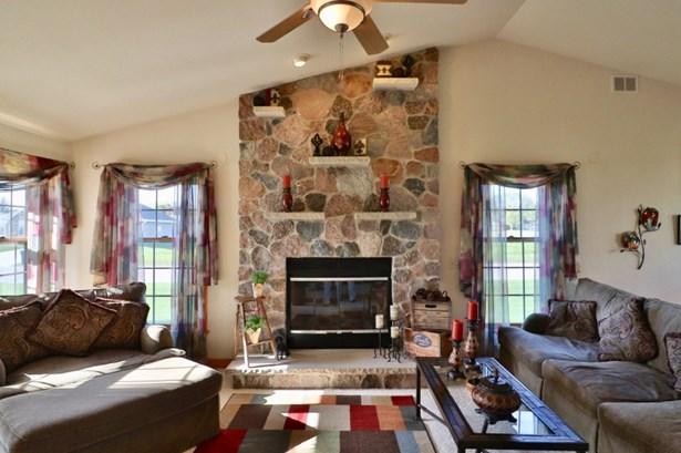 Natural Fieldstone Fireplace (photo 3)