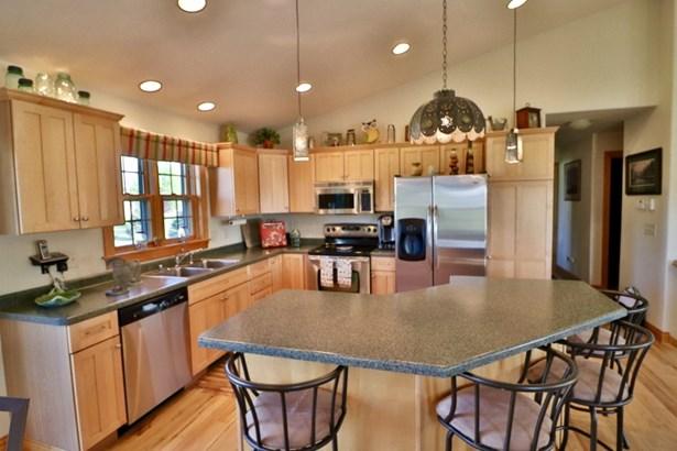 Large Open Kitchen  (Maple) (photo 5)