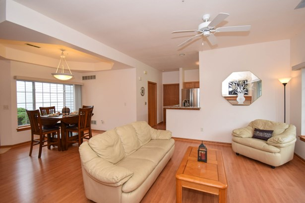 Open to Dining Room (photo 5)