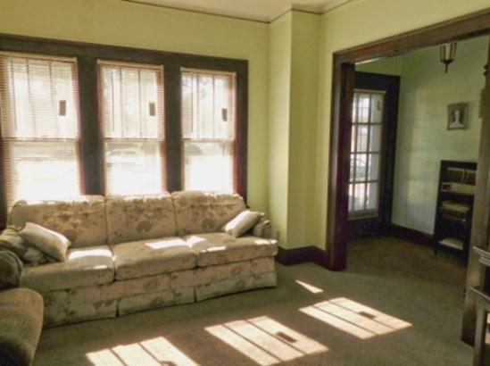 Casement Windows (photo 2)