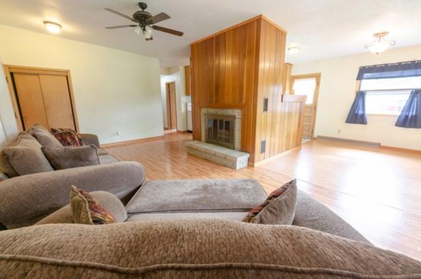 living room fireplace (photo 4)