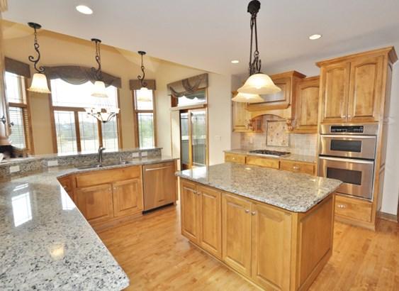 Kitchen w/ Stainless & Granite (photo 5)