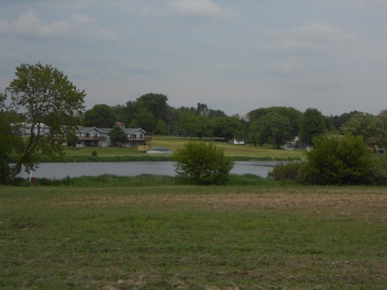 WATER FRONTAGE - VACANT LOT (photo 1)