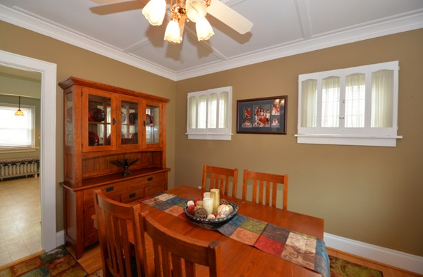 Dining Room 2 (photo 5)
