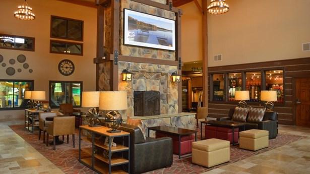 Lodge lobby (photo 3)