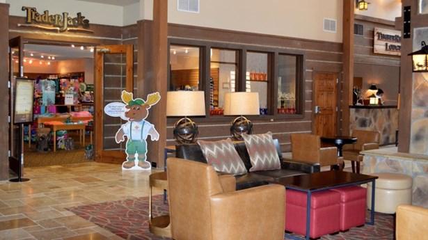 Lodge lobby (photo 4)