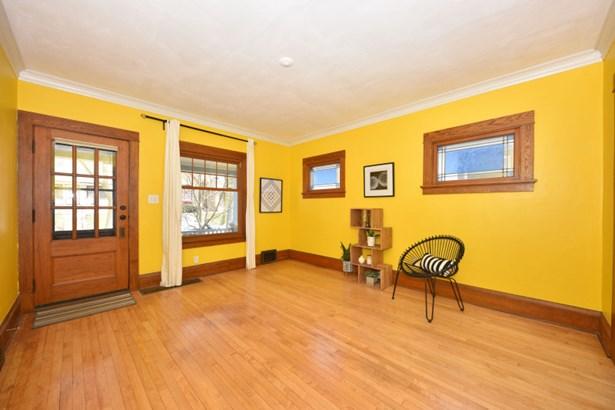 Spacious Open Floor Plan (photo 5)